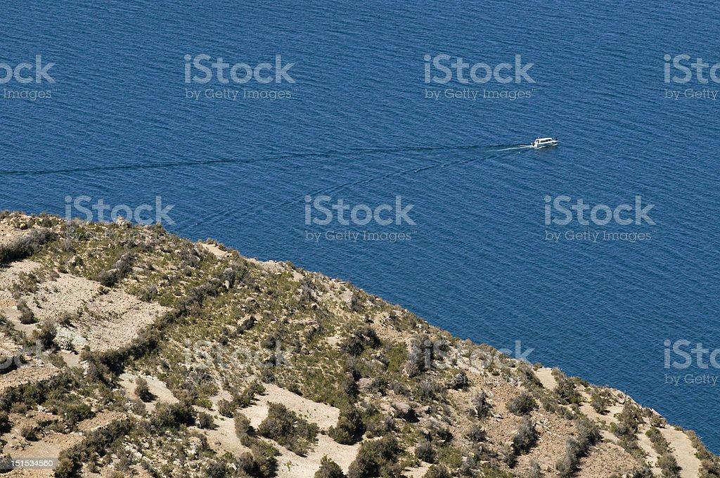 Bateau dans Sun Island, Lac titicaca photo libre de droits