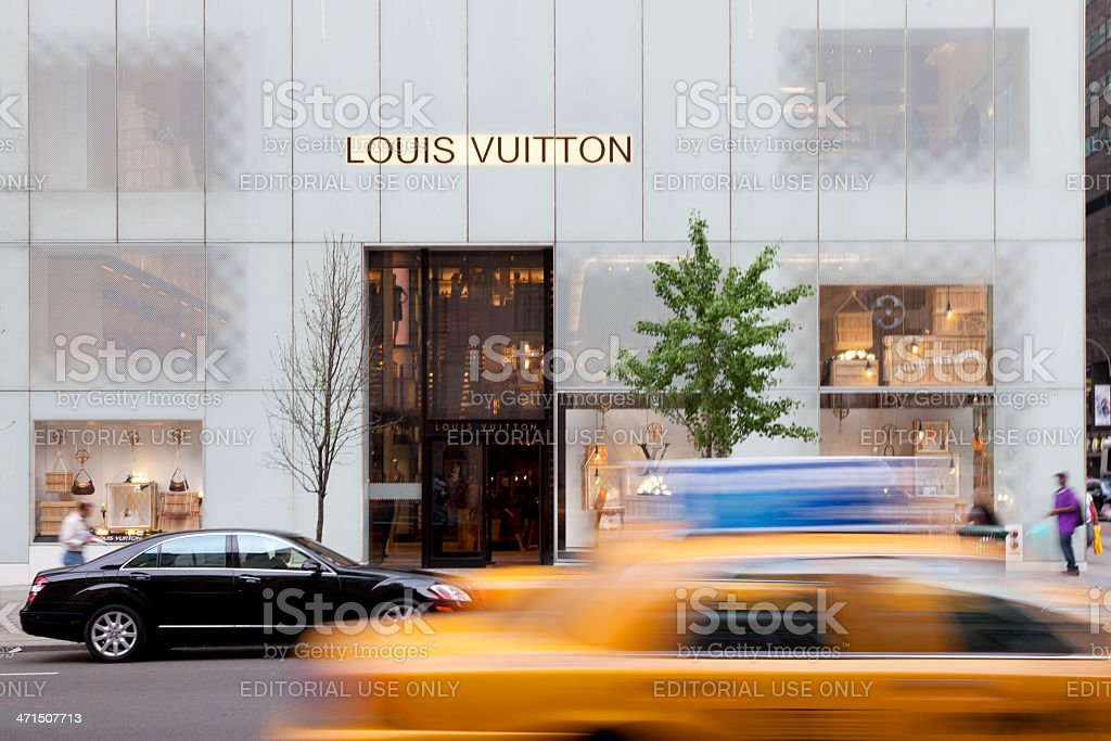 LOUIS VUITTON shop at 5th avenue stock photo