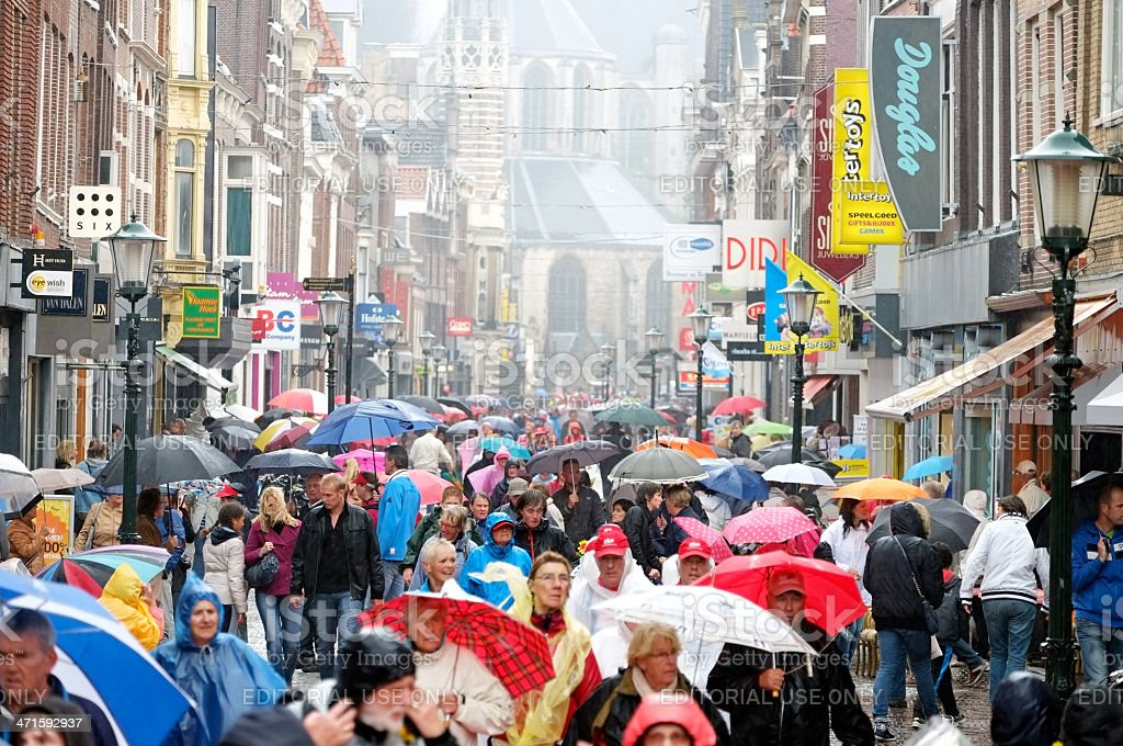 shopping street in alkmaar stock photo 471592937 | istock, Attraktive mobel