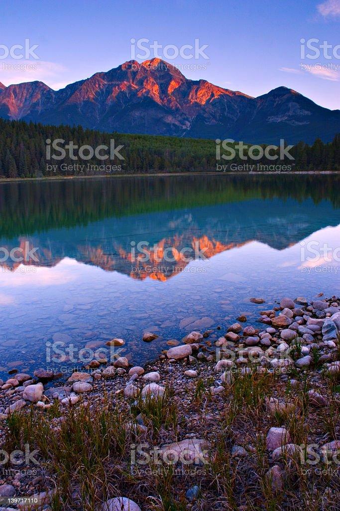 Shoreline Sunrise royalty-free stock photo