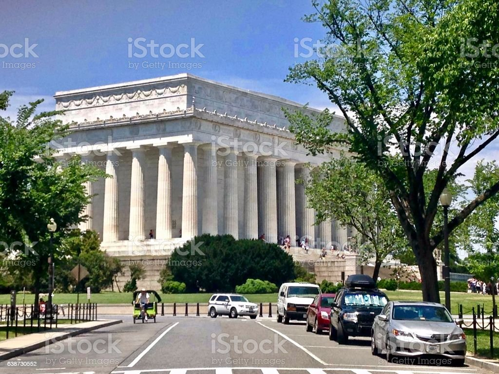 Side view and gardens of the Lincoln Memorial stock photo