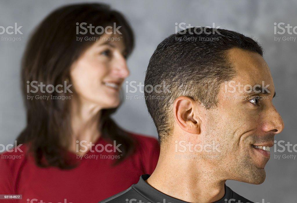 Vista laterale della testa di un uomo e donna foto stock royalty-free