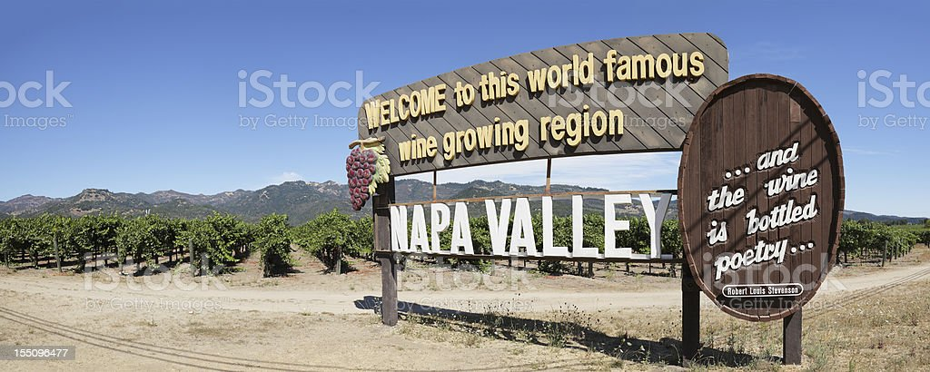 Sign outside of a vineyard welcoming visitors to Napa Valley stock photo