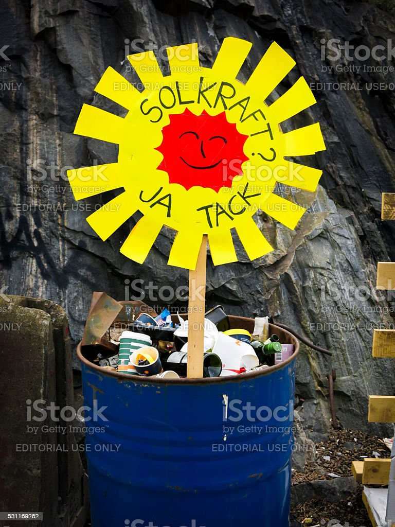 Sign saying 'Sunpower? Yes Please' in swedish stock photo