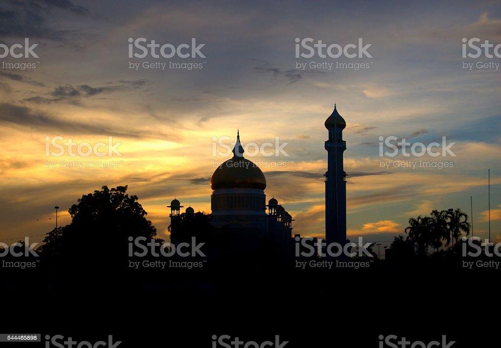 Silueta de un mezquita al atardecer foto de stock libre de derechos