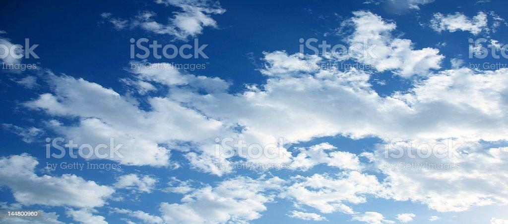 & Wolken Himmel Lizenzfreies stock-foto