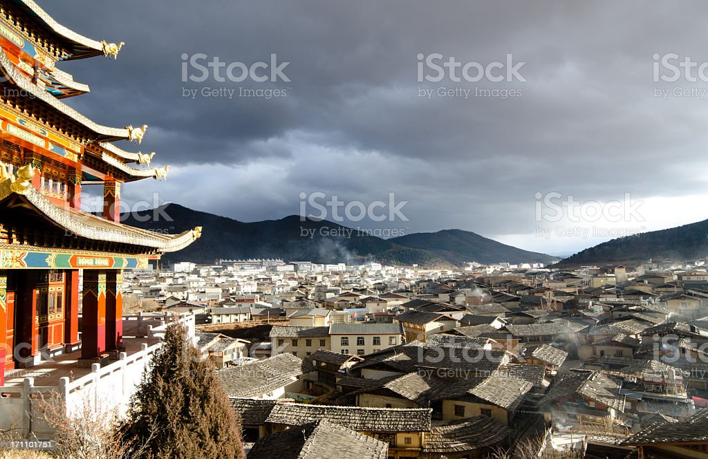 skyline of downtown Shangri-la in the sunset royalty-free stock photo