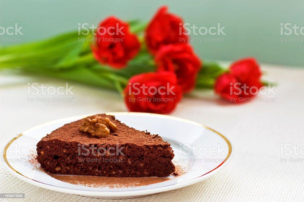 Morceau de gâteau au chocolat photo libre de droits