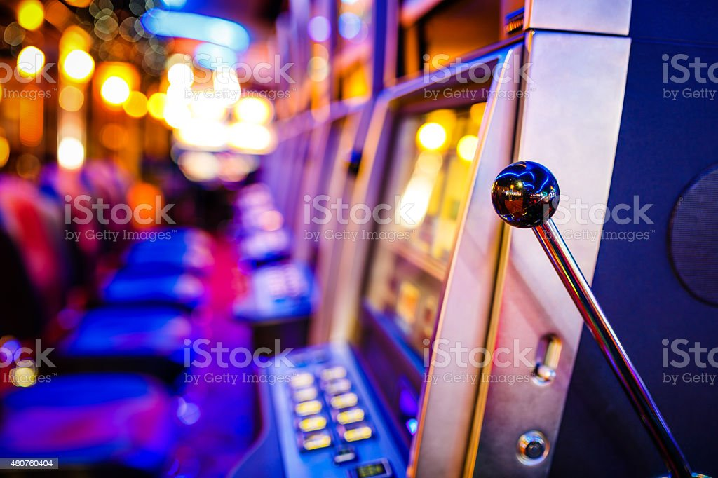 slot-machines-in-casino-picture-id480760