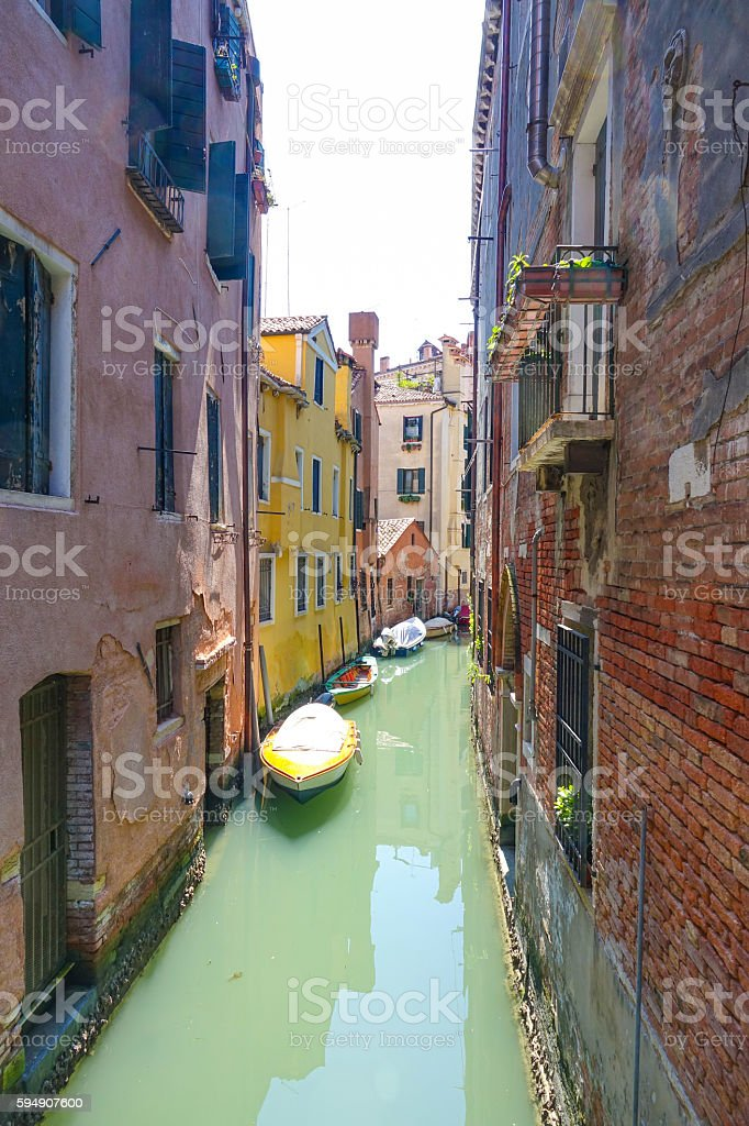 Small and narrow canals in Venice Lizenzfreies stock-foto