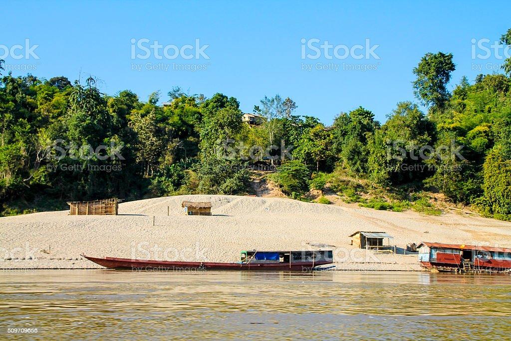 Petite communauté rurale de bord de l'eau photo libre de droits