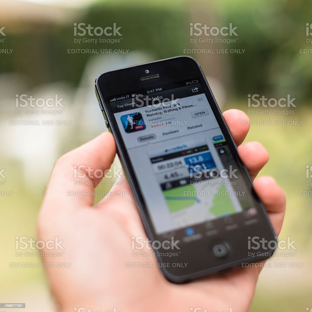 smarthphone Iphone 5 with runstatic app royalty-free stock photo