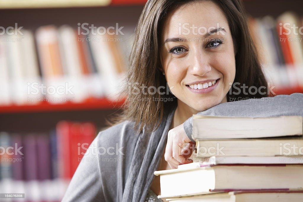 Souriant Étudiant en université photo libre de droits