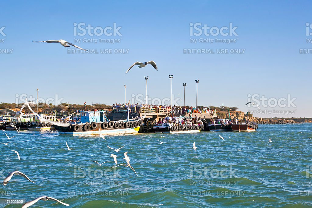 So crowded at Bet Dwarka Quayside stock photo