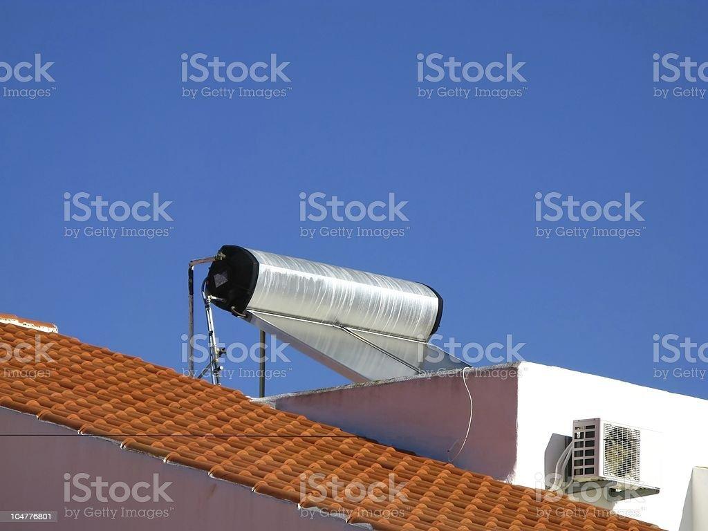 Solar-Wasserspeicher stock photo