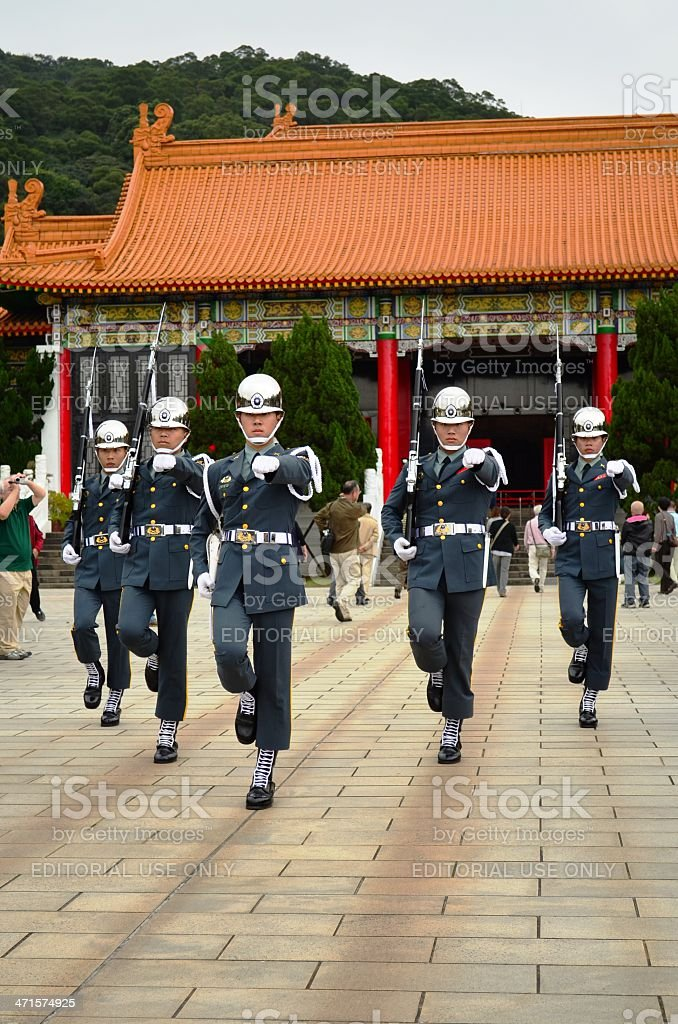 Soldiers at the National Revolutionary Martyrs' Shrine in Taiwan royalty-free stock photo
