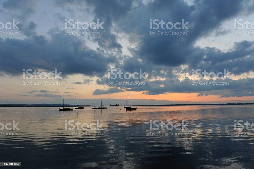 Sonnenuntergang am Steinhude. stock photo