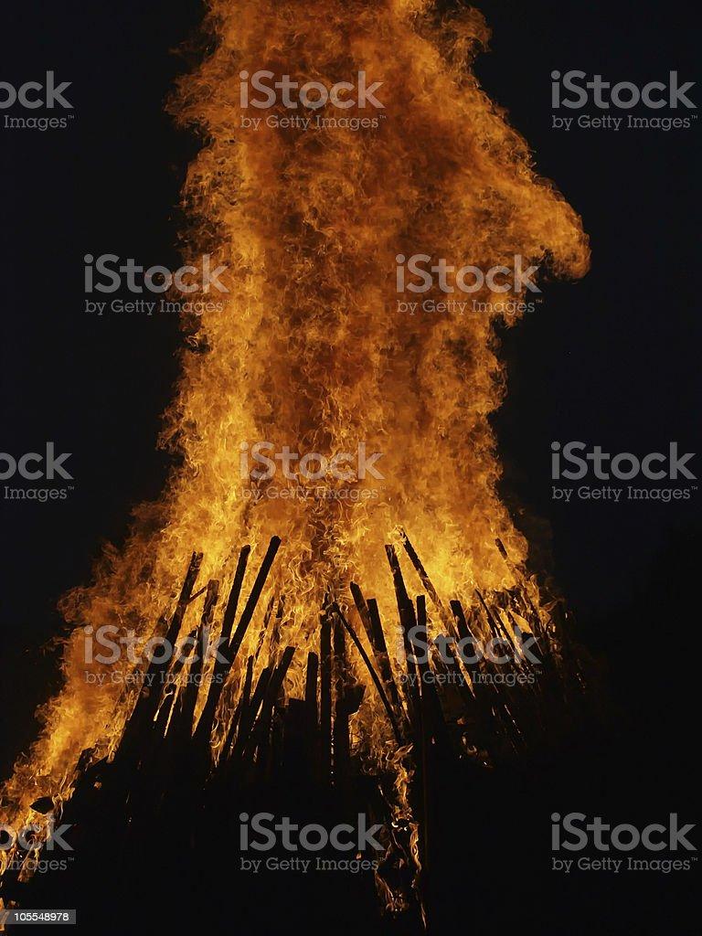sonnenwend feuer stock photo