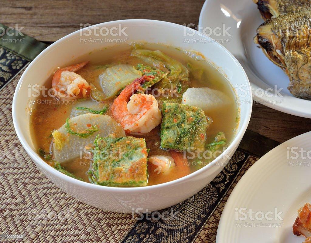 Kwaśne whith Zupa z krewetkami i warzyw zbiór zdjęć royalty-free