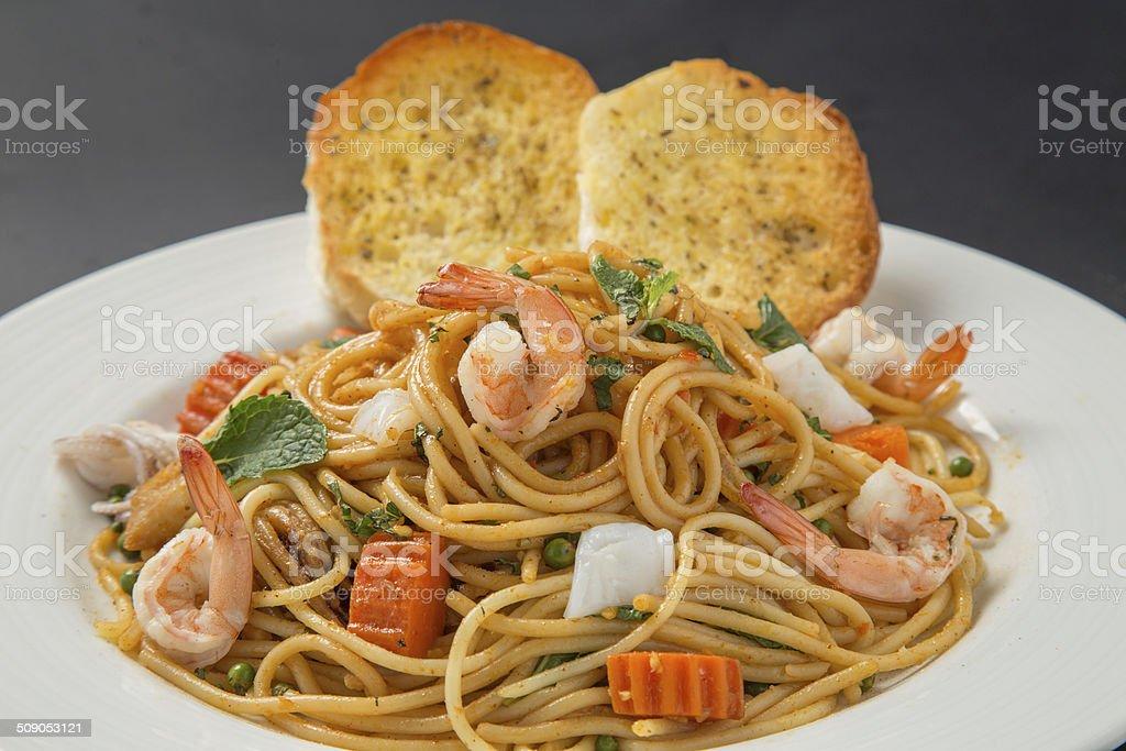 spaghetti with shrimp royalty-free stock photo