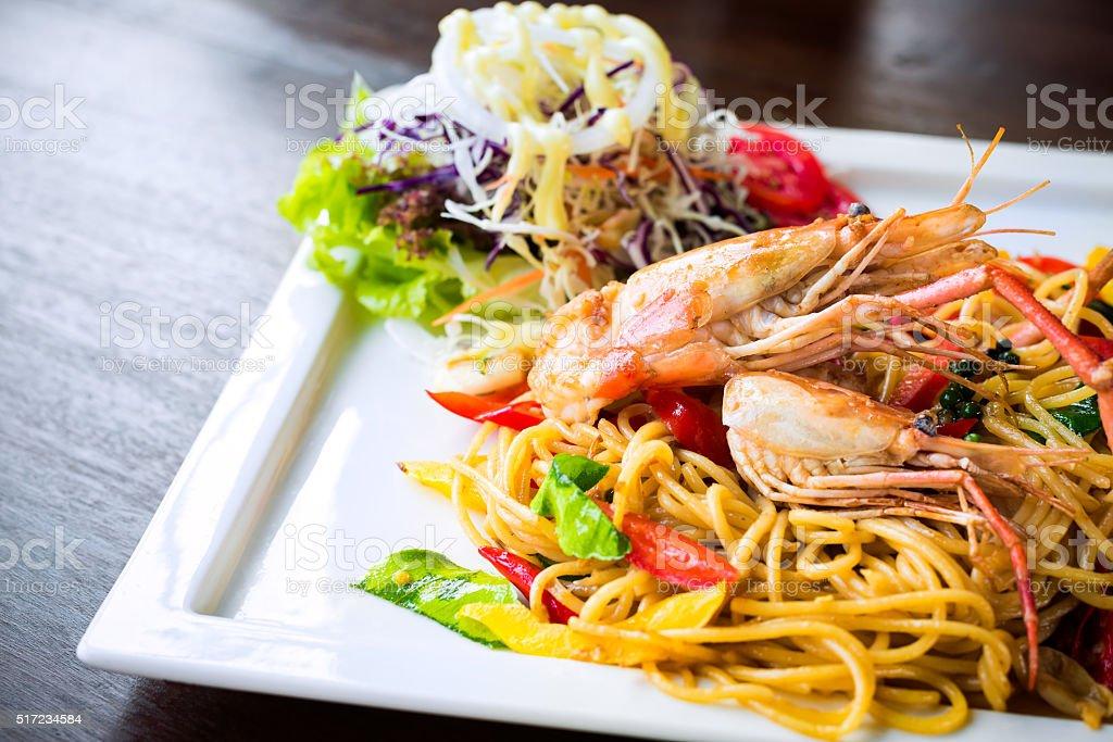 Spaghetti mit scharfen Krabben Lizenzfreies stock-foto