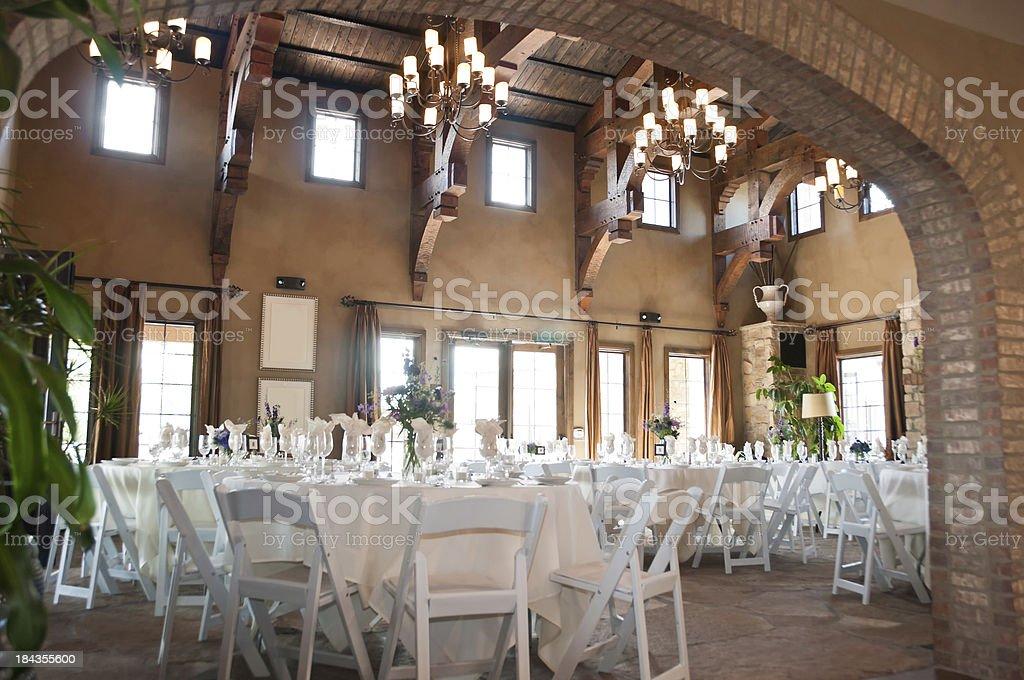 restaurante de estilo espaol con mesas y sillas blancas foto de stock libre de derechos