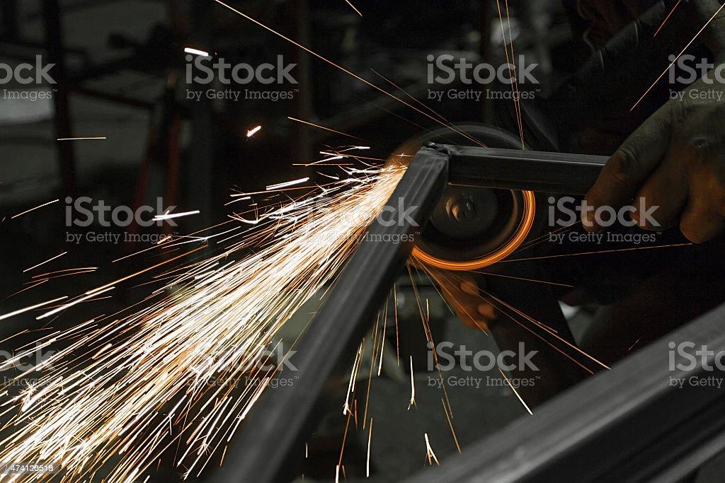 Faíscas e grinding ferro foto royalty-free