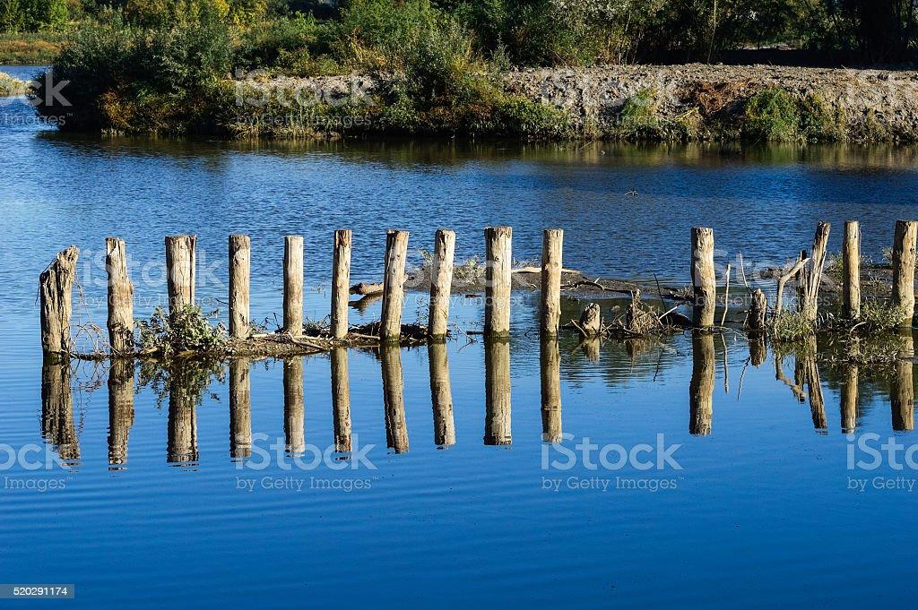 Sperre und Wehr im Wasserlauf stock photo