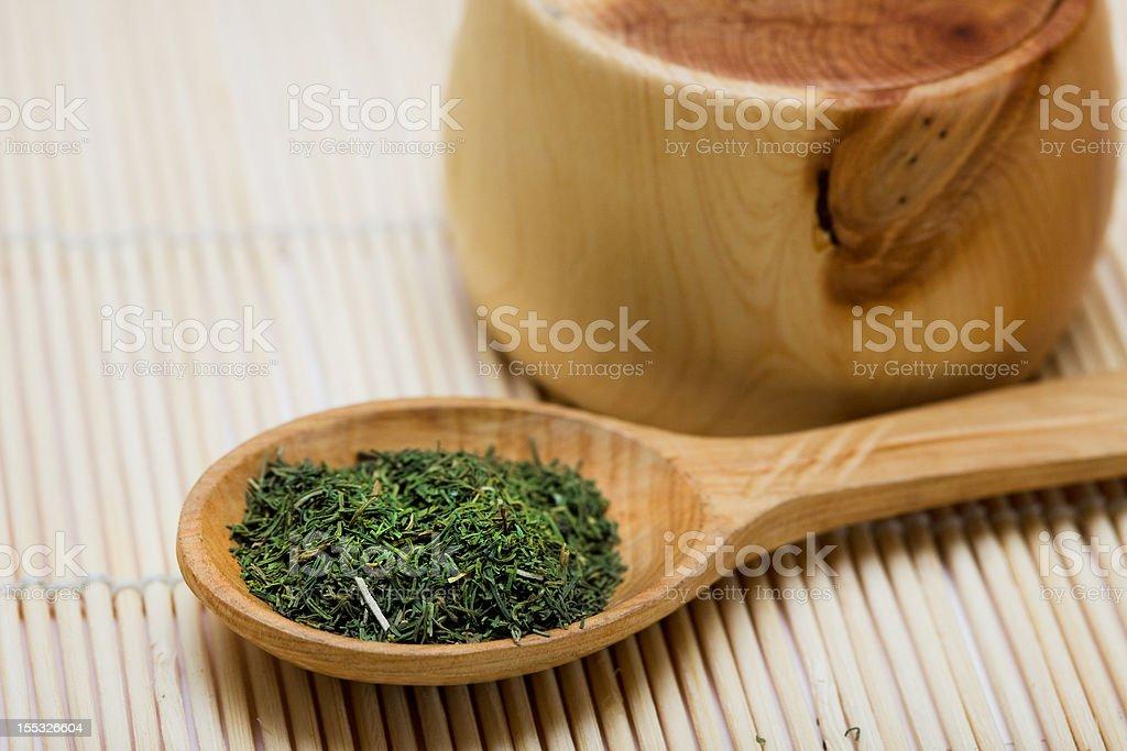 Condimento de Tomilho na colher e bowl foto de stock royalty-free