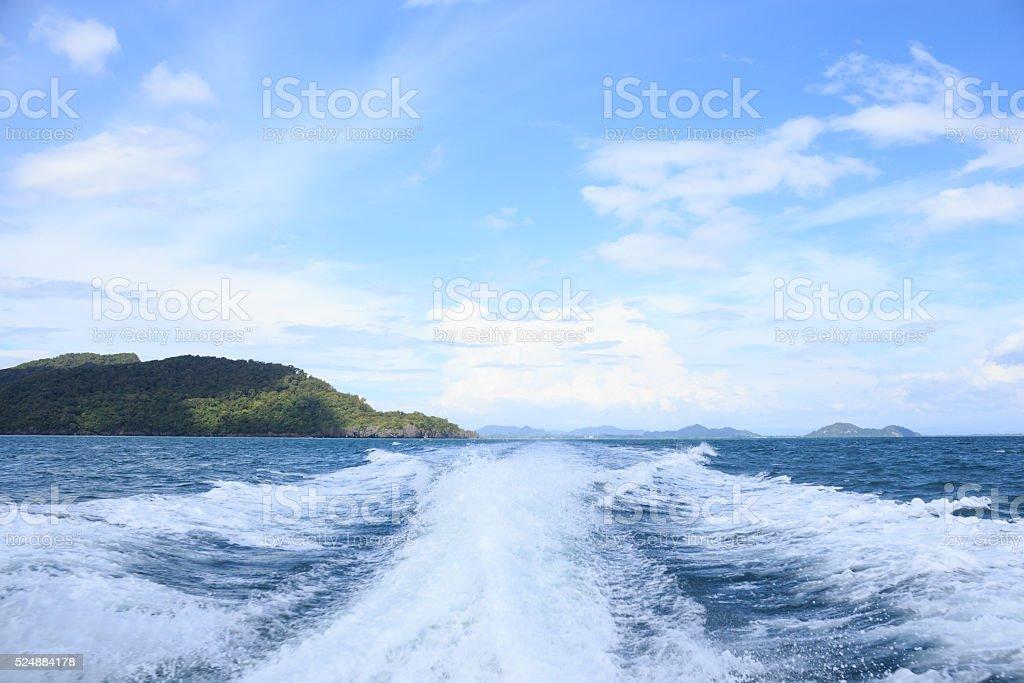 Поверхность воды всплеск волны за быстро мотор быстроходном катере Стоковые фото Стоковая фотография