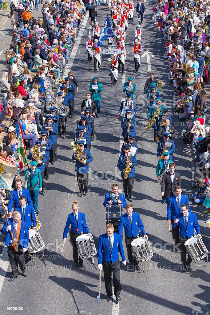 parade devoted to the upcoming Sechselauten festivity. The...