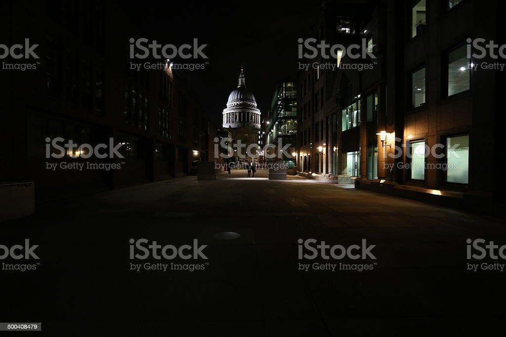 St Paul's en la noche foto de stock libre de derechos