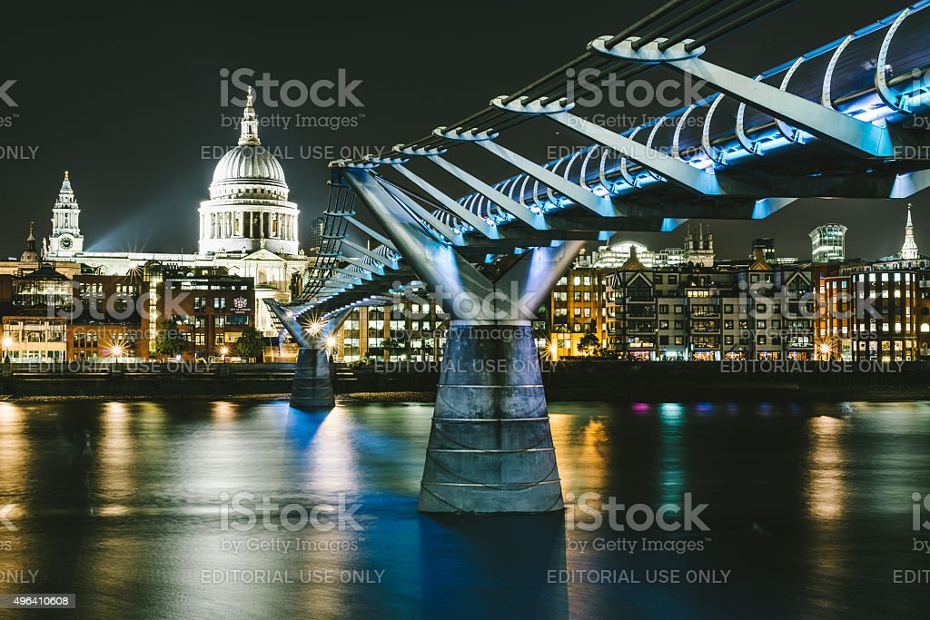 St Paul's Cathedral and Millennium Footbridge over the Thames stock photo