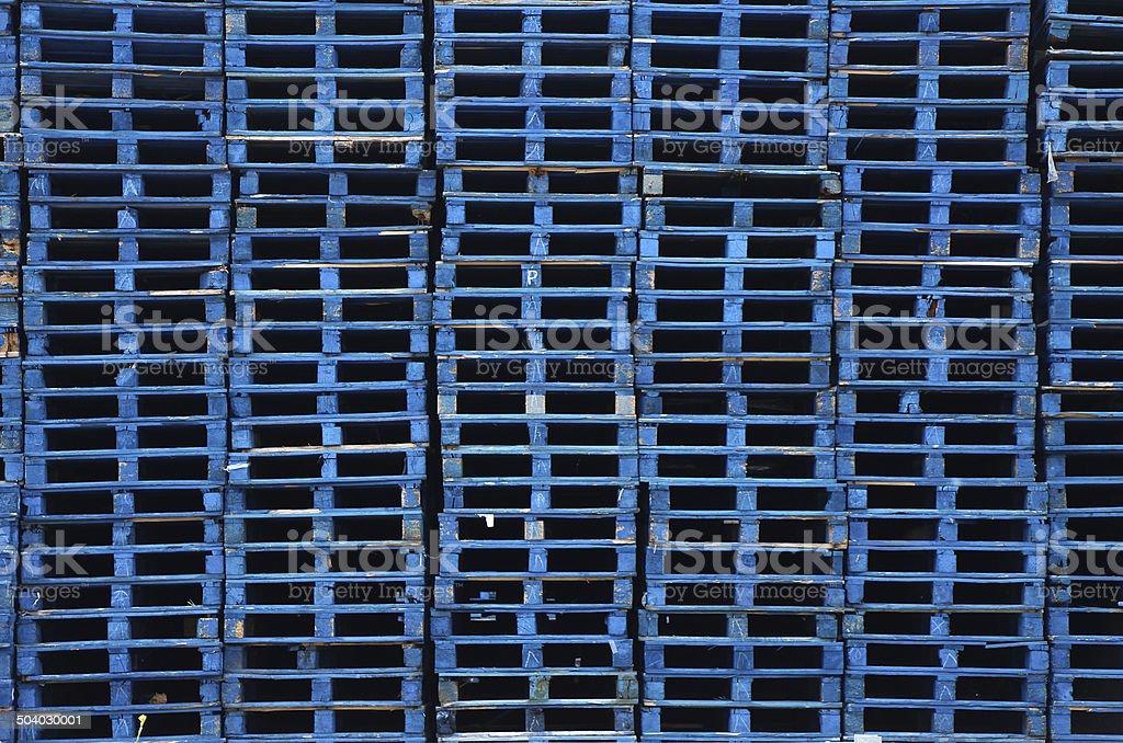 Pila di pallet di legno foto stock royalty-free