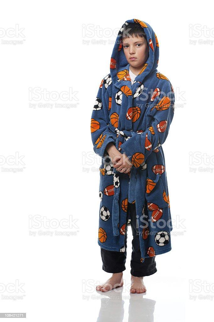 Niño de pie en un vestido de noche 1 foto de stock libre de derechos