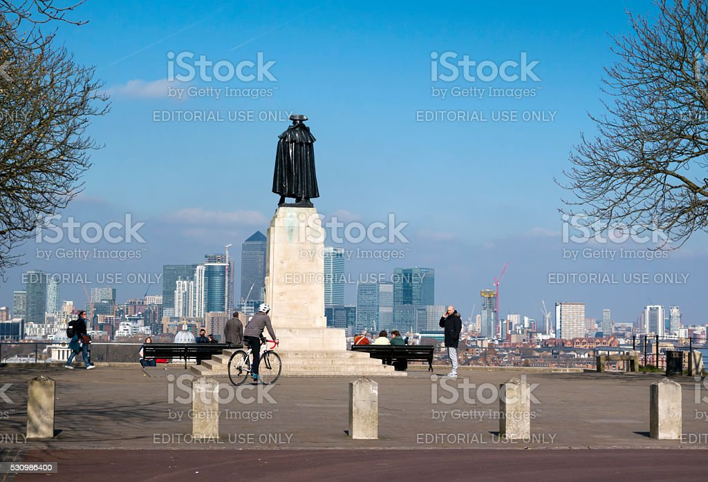 Statue of General Wolfe at Greenwich, with Canary Wharf stock photo