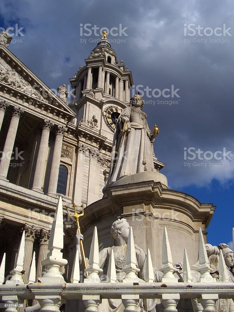 Statue of Queen Anne, St. Paul's Cathedral, London stock photo