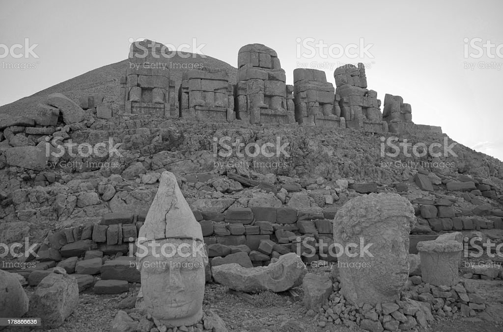 statues at mount nemrut summit of kahya adiyaman turkey stock photo
