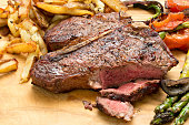Steak,Vegetables And Fries