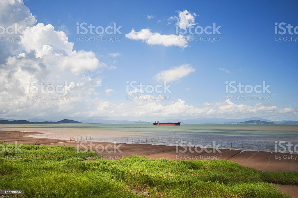 steam boat on sea under the sky royalty-free stock photo