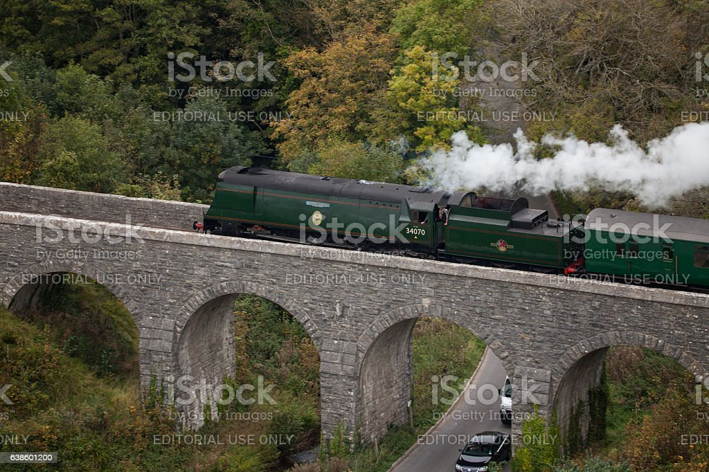 Steam Engine, Battle of Britain Class 'MANSTON' 34070 on viaduct stock photo