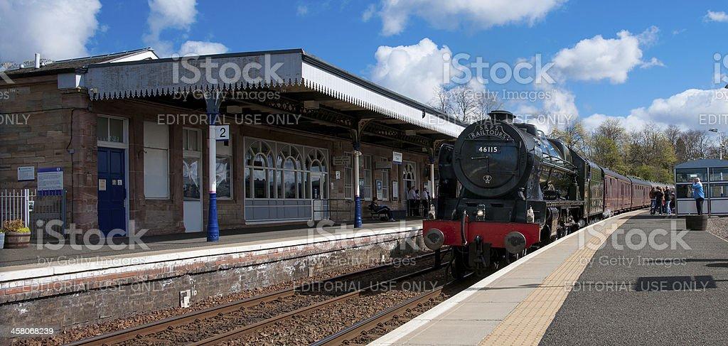 Steam Locomotive passes through Dunfermline Town Station stock photo