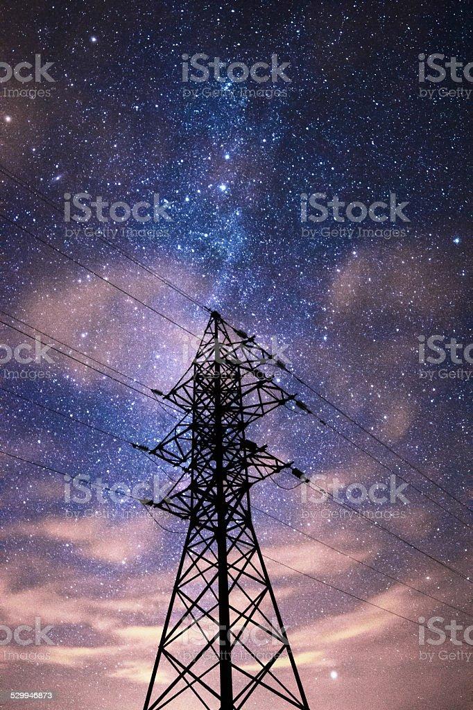 Ciel stellaire-dessus de la ligne de transmission photo libre de droits