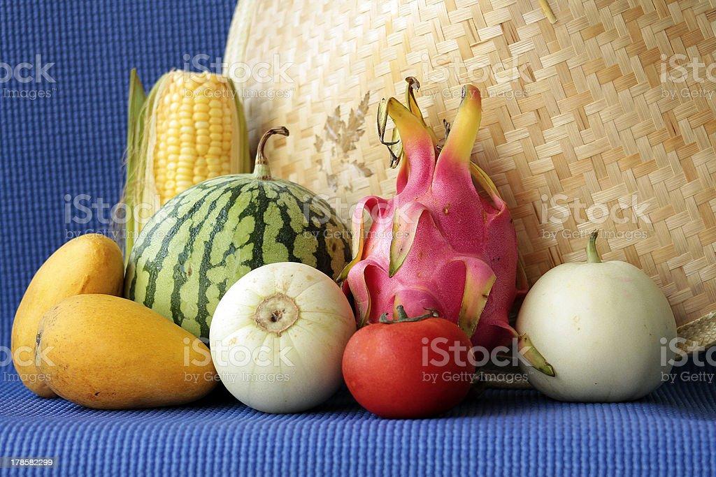 Natura morta di frutta e ortaggi cinesi foto stock royalty-free