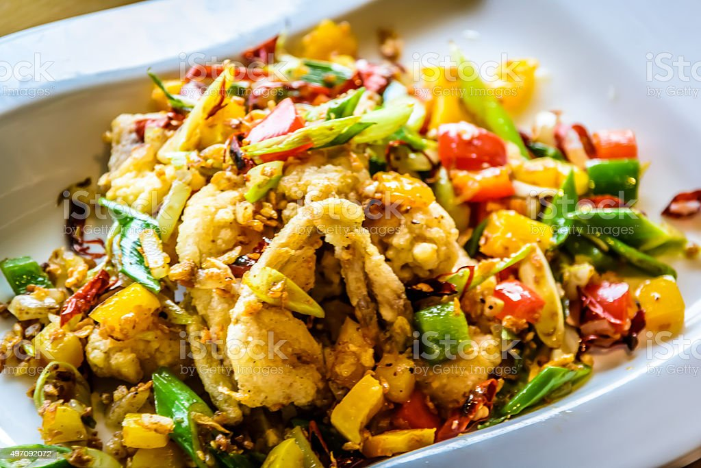 Französische küche froschschenkel  Pfannengerührte Frosch Beine Stockfoto 497092072 | iStock