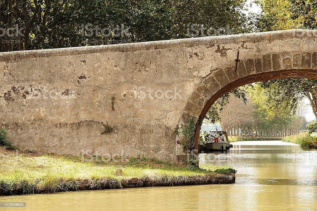 Stone Bridge-Canal du Midi, Linguadoca Francia foto stock royalty-free