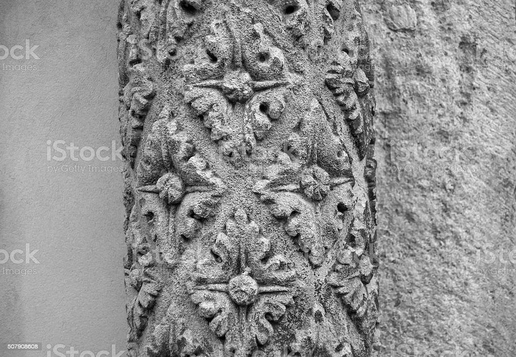 Piedra columna con un patrón foto de stock libre de derechos