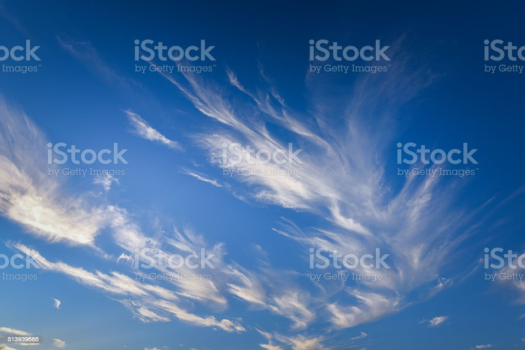 Bauchspeck Wolken im Himmel Lizenzfreies stock-foto
