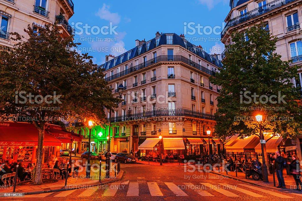 street cafes on the Ile Saint Louis in Paris stock photo
