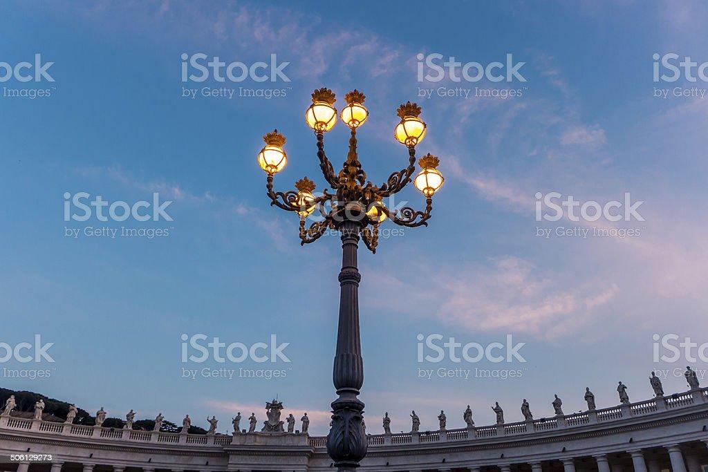 Lâmpada de rua no Vaticano foto royalty-free